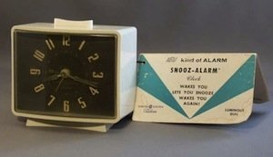Telechron 7H241 - the world's first snooze alarm clock