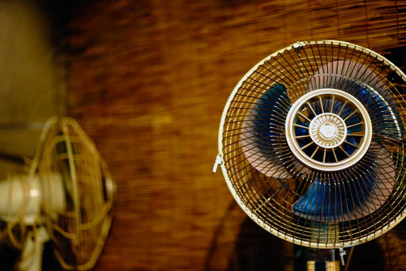 Cooling Fan To Sleep : Surprising ways to stay cool at night without ac sleep