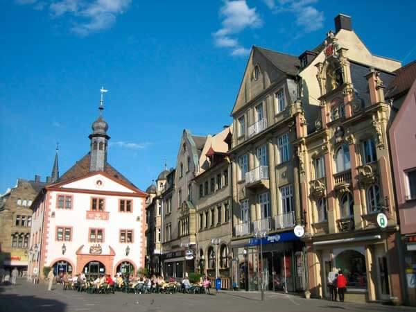 Marktplatz_in_Bad_Kissingen_JM_PS_OPT