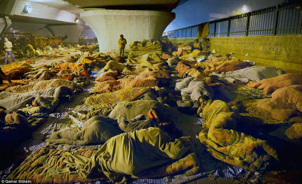 Homeless sleepers in Delhi, India