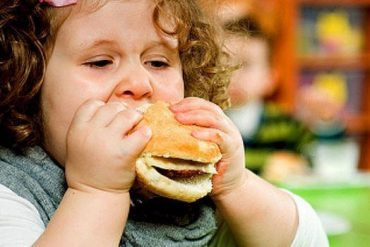 Sleep deprivation and obesity in 3 and 4 year olds