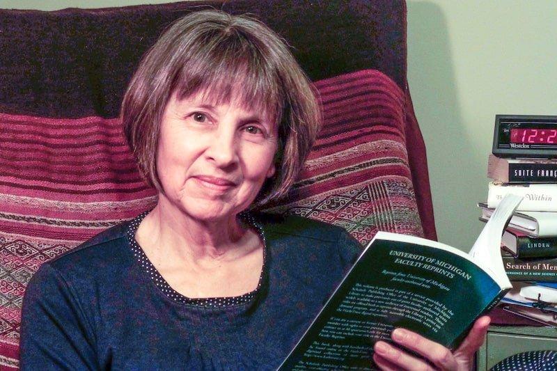 Lois Maharg, The Savvy Insomniac
